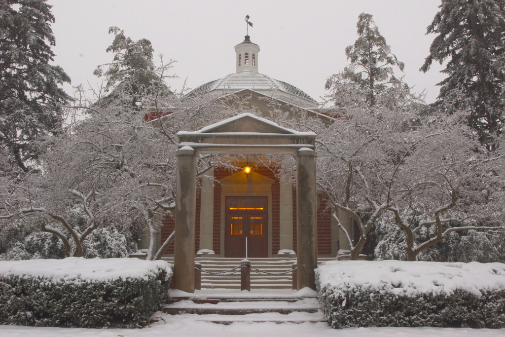 Kirk Memorial blanketed in snow